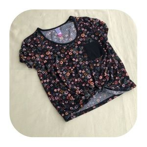6/$15 No Boundaries juniors S front tie top